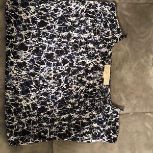 Michael kors, size XS shirt, Navy blue color